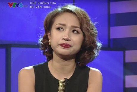 A hau Huyen My, MC Ngoc Trinh bat ngo truoc benh tat cua Van Hugo - Anh 1