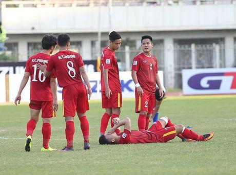 Nhieu tuyen thu Viet Nam kiet suc sau tran thang Malaysia - Anh 4