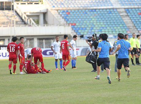 Nhieu tuyen thu Viet Nam kiet suc sau tran thang Malaysia - Anh 5