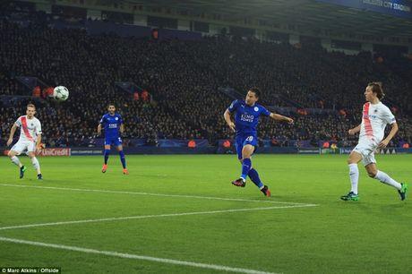 Sao Nhat Ban lap sieu pham, Leicester di vao lich su Champions League - Anh 1