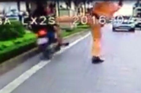 Thanh tra CA tinh Dak Lak vao cuoc vu 'dap mat vao gay CSGT' - Anh 2