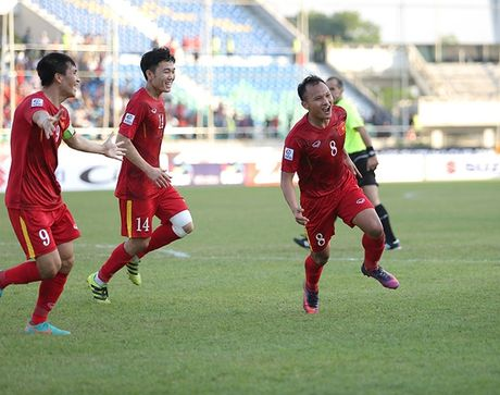 AFF Cup 2016: Trong Hoang tung 'nhat kiem' duy nhat ha guc Malaysia - Anh 1