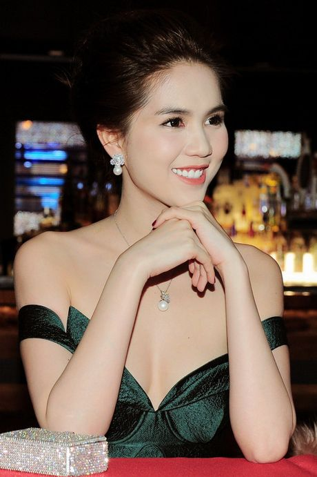 Ngoc Trinh dien vay corset goi cam du su kien o My - Anh 3