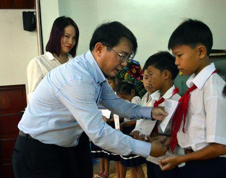 Quang Ngai: Dong tho xay dung cang Ben Dinh tren dao Ly Son - Anh 2