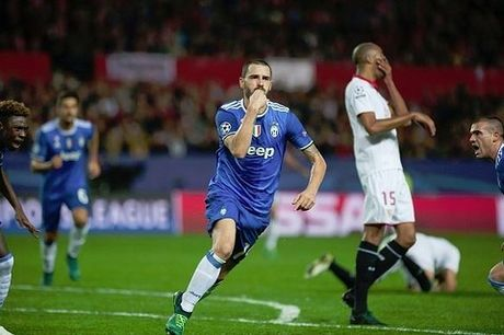 Sevilla 1-3 Juventus: Trong tai Clattenburg bi to tru dap chu nha, thien vi doi khach - Anh 3