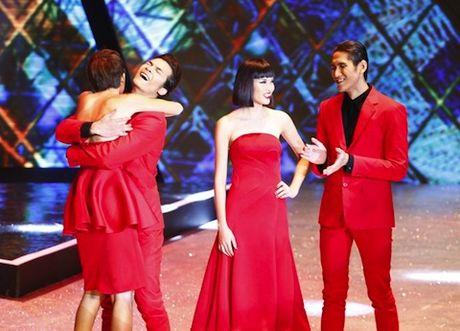 Quanh thong tin 'dan xep ket qua Vietnam's Next Top Model': Cuoc chien tren Facebook - Anh 2