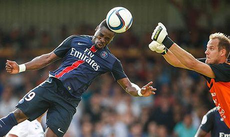 PSG noi gian vi chinh quyen Anh ngan cau thu da tran gap Arsenal - Anh 2