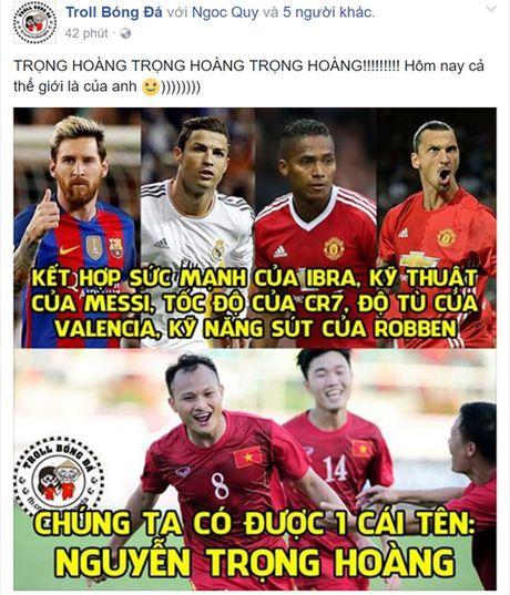 Cong dong mang tung bung sau chien thang cua Viet Nam truoc Malaysia - Anh 2
