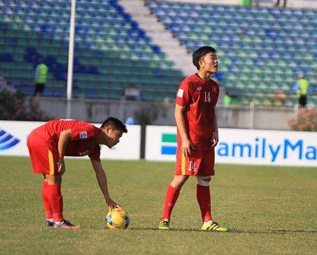 Bo ba Hoang - Xuan - Vinh len tieng, Viet Nam thang lien 2 tran o AFF Cup 2016 - Anh 2
