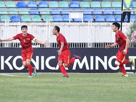Bo Trong Hoang sung suong vi con trai ghi ban - Anh 1