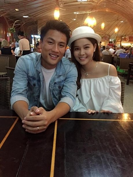 Truoc khi sinh con trai, cuoc song cua Mac Hong Quan - Ky Han co hanh phuc? - Anh 1
