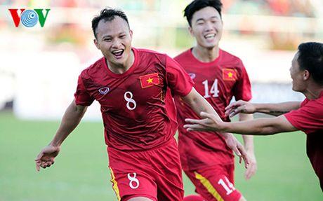 The thao 24h: DT Viet Nam xuat sac danh bai Malaysia - Anh 1
