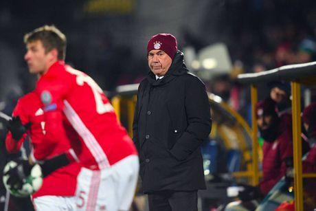 Ancelotti se lam gi de dua Bayern tro lai hay 'khan ao ra di'? - Anh 1