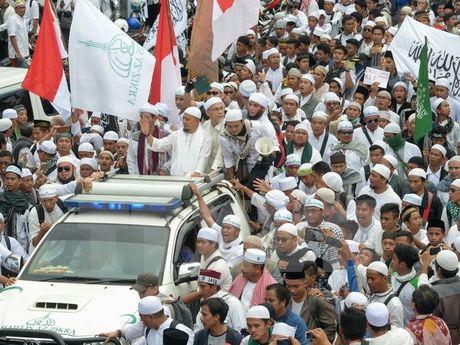 Indonesia tang cuong an ninh tai Jakarta truoc cac cuoc bieu tinh - Anh 1