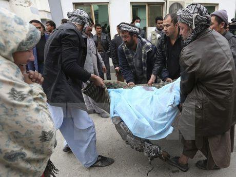 Hang chuc nguoi thuong vong trong vu danh bom lieu chet o Baghdad - Anh 1
