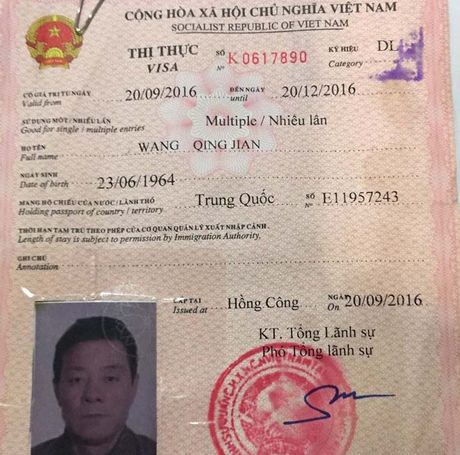 Lien tiep phat hien hanh khach Trung Quoc moc tui tren may bay - Anh 1