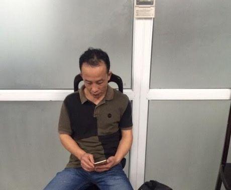 Lien tiep phat hien hanh khach Trung Quoc moc tui tren may bay - Anh 2