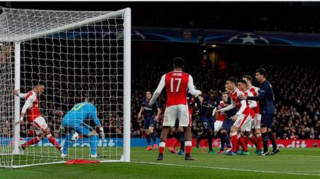 Vi ngoi dau, PSG 'song chet' cung Arsenal tai Emirates - Anh 1