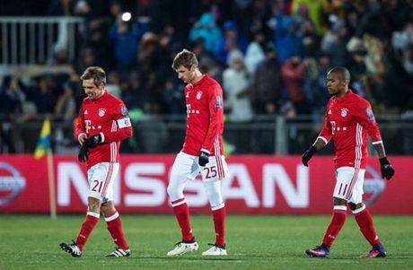 Bayern 'chet cong' truoc su lanh lung cua Rostov - Anh 10
