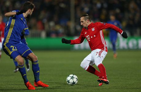 Bayern 'chet cong' truoc su lanh lung cua Rostov - Anh 1