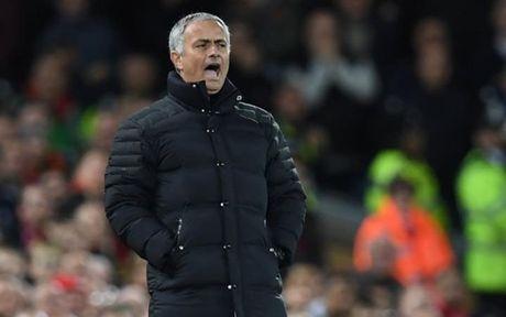 De Man Utd tro lai, Mourinho 'xin' 3 hoac 4 nam - Anh 1