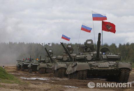 3.000 xe tang 'phan luc' T-80BV tro lai, NATO hoang loan - Anh 11