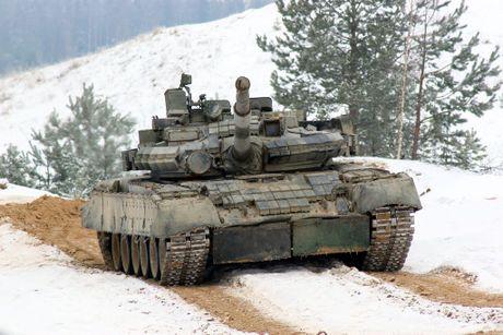 3.000 xe tang 'phan luc' T-80BV tro lai, NATO hoang loan - Anh 3