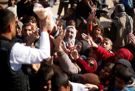 Thieu thon du dieu dan Iraq trong trai ti nan gan Mosul - Anh 14