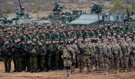 Quan he Nga - NATO: Kho hoa giai bat dong - Anh 1