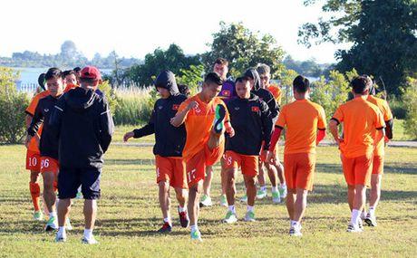 Buoi tap dau tien cua tuyen Viet Nam tai Nay Pyi Taw: Hoang Thinh va Thanh Luong duoc nghi - Anh 3