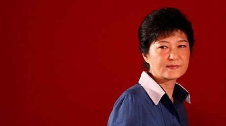 Tap doan Lotte tiep tuc bi kham xet vi be boi cua Tong thong Han Quoc - Anh 2