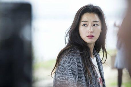Huyen thoai bien xanh tap 4: Jun Ji Hyun tai hop Cha Tae Hyun sau 15 nam - Anh 2