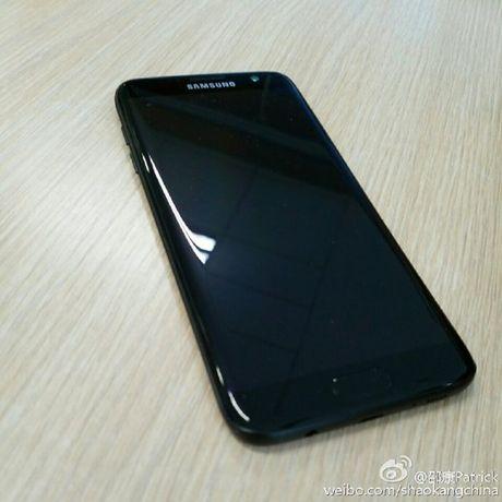 Samsung Galaxy S7 Edge ban den bong lo dien - Anh 6
