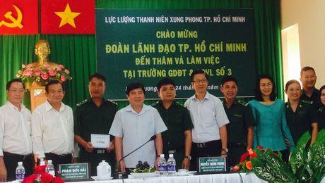 Chu tich Nguyen Thanh Phong danh gia cao luc luong TNXP - Anh 1