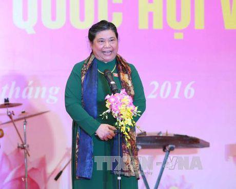 Pho Chu tich Quoc hoi Tong Thi Phong tiep Doan dai bieu dan toc thieu so Cao Bang - Anh 1