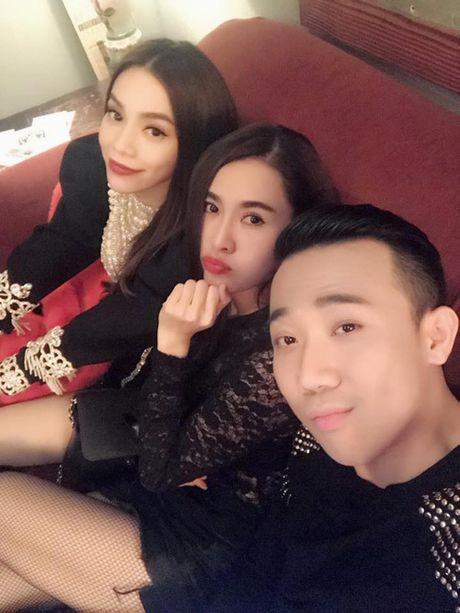 Ha Ho bi nghi hen ho dai gia Chu Dang Khoa o My - Anh 6