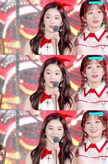 Irene khien Chan Yeol xau ho vi qua xinh tren san khau - Anh 2