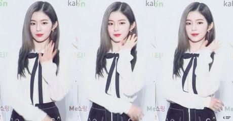 Irene khien Chan Yeol xau ho vi qua xinh tren san khau - Anh 5