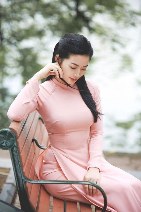 Mai Thanh Ha dep den nao long voi ao dai giua troi Thu Ha Noi - Anh 1