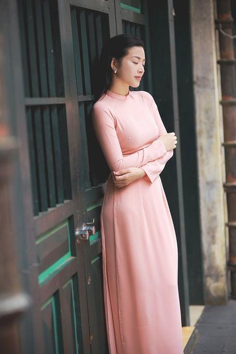 Mai Thanh Ha dep den nao long voi ao dai giua troi Thu Ha Noi - Anh 4