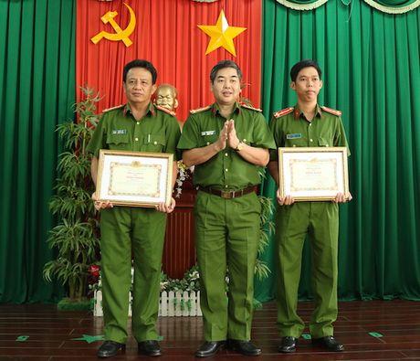 Tong cuc Canh sat tang bang khen cho PC52 Cong an TP Can Tho - Anh 1