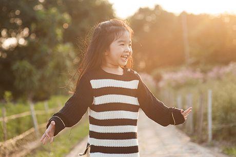 Xuan Lan va con gai vui dua trong nang am dau dong Ha Noi - Anh 10