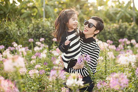 Xuan Lan va con gai vui dua trong nang am dau dong Ha Noi - Anh 13