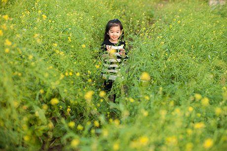 Xuan Lan va con gai vui dua trong nang am dau dong Ha Noi - Anh 3