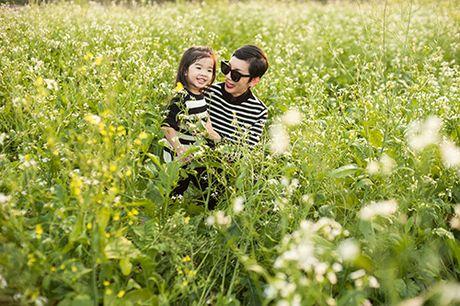 Xuan Lan va con gai vui dua trong nang am dau dong Ha Noi - Anh 4