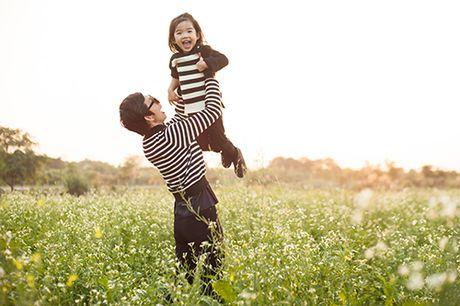 Xuan Lan va con gai vui dua trong nang am dau dong Ha Noi - Anh 5