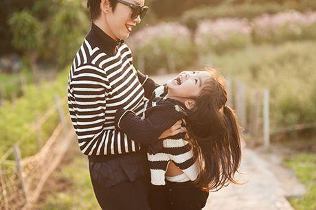 Xuan Lan va con gai vui dua trong nang am dau dong Ha Noi - Anh 9