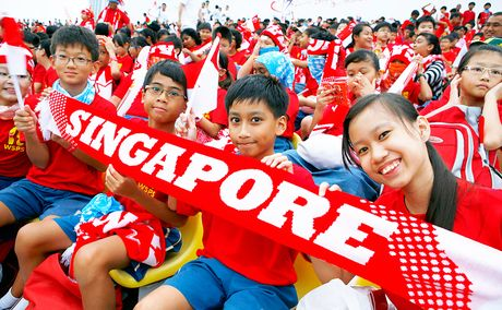 Dan Singapore giau nhat chau A - Anh 1