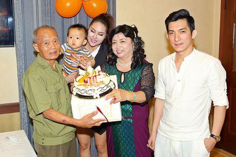 Sau su co suc khoe nghiem trong, Phi Thanh Van quyet dinh len xe hoa - Anh 7