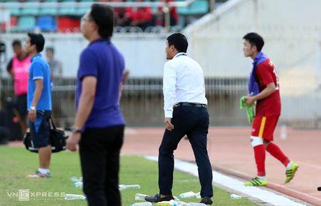 Xuan Truong 'chi dao' dong doi, giong Ronaldo - Anh 3